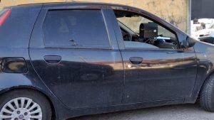 Радар у паркираном цивилном возилу (црни Пунто)